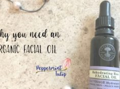 Why you need an organic facial oil. Neal's Yard Remedies. Frankincense Facial Oil.