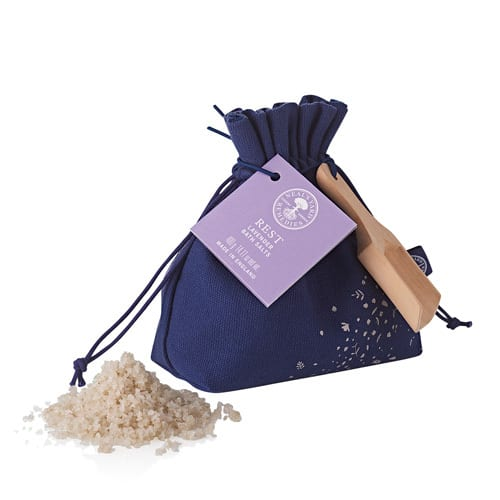 NYR Organic Bath Salts | Gift Collection 2017 Come read about all the gift collections for winter 2017! www.pepperminttulip.com