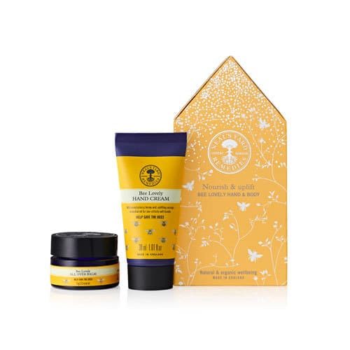 Bee Lovely Hand Cream and Bee Lovely All Over Balm, in a cute gift set. What a fun gift full of nourishing and organic ingredients. Check out more in the post! #organicskincare #essentialoils