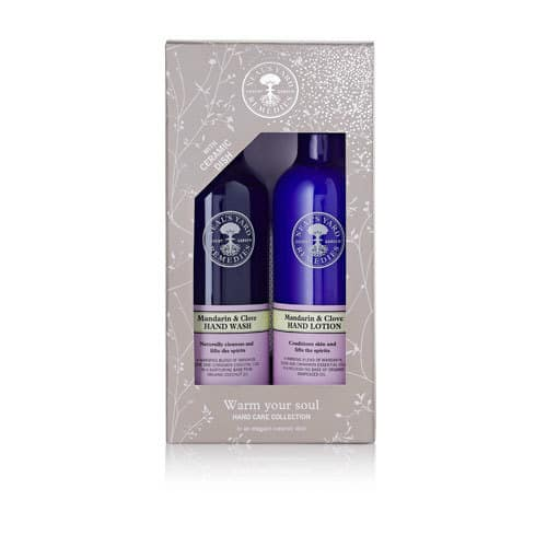 A luxurious hand wash and lotion to warm your soul this winter! Check out this and more organic gifts in the post! #giftideas #organicskincare #organic #essentialoils